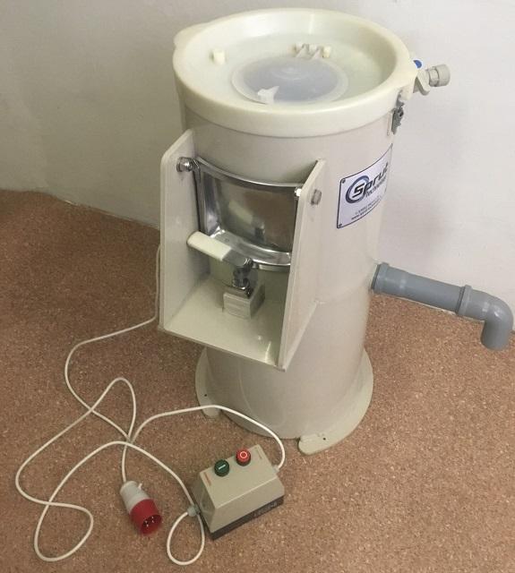 машина для чистки овощей МОК