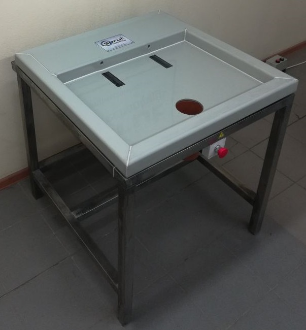Машина для снятия кутикулы с желудков