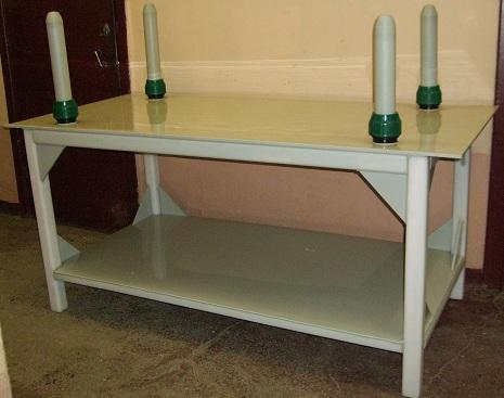 стол с конусами для разделки тушек птицы